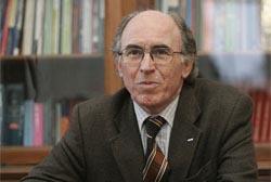Reitor da U.Porto apela ao silêncio para que Portugal possa evoluir
