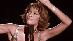 Mundo da música lamenta morte de Whitney Houston