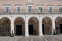 Governo prevê reduzir pelo menos 600 cargos dirigentes municipais