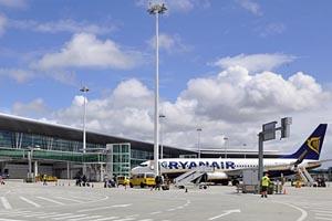 Ryanair vai reduzir voos entre Porto e Lisboa