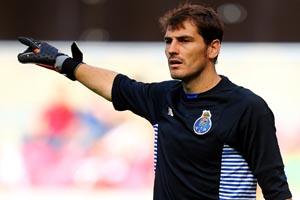 Casillas renova com o FC Porto