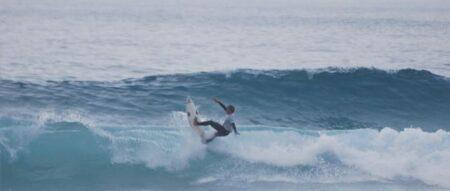 Jovens surfistas competem no Porto