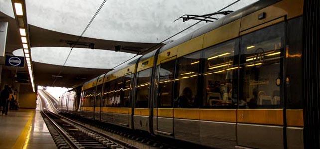 Metro do Porto reforça serviços na chegada do Natal à cidade