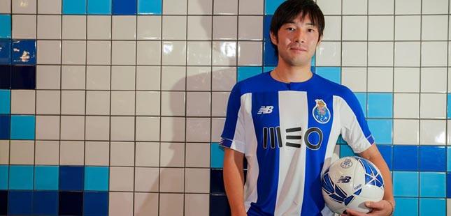 Nakajima é reforço do FC Porto até 2024