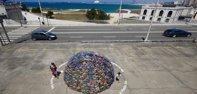 """CIIMAR e Sea Life alertam para a """"plastificação"""" dos oceanos"""