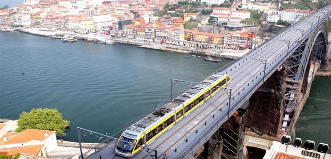 Circulação pedonal na Ponte Luiz I condicionada durante dois meses