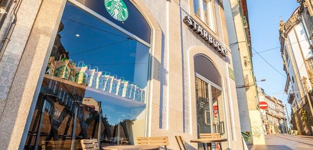 Starbucks abre nova loja no centro histórico do Porto