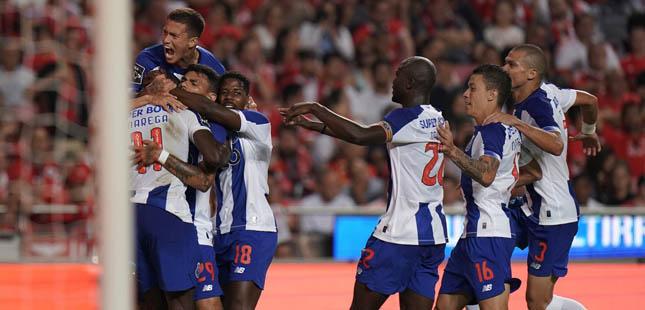 FC Porto vence Benfica no Estádio da Luz