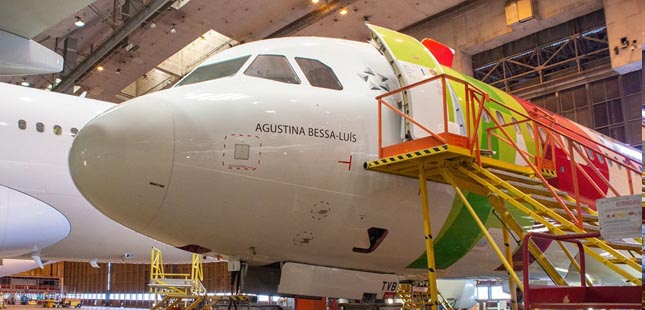 Agustina Bessa-Luís dá nome a novo avião da TAP