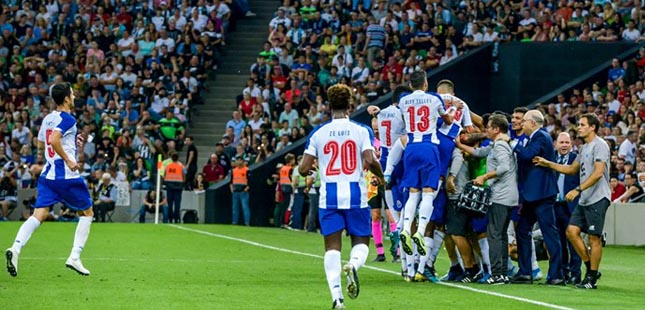 FC Porto vence Krasnodar