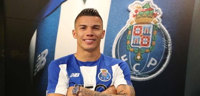 Matheus Uribe assina pela FC Porto até 2023