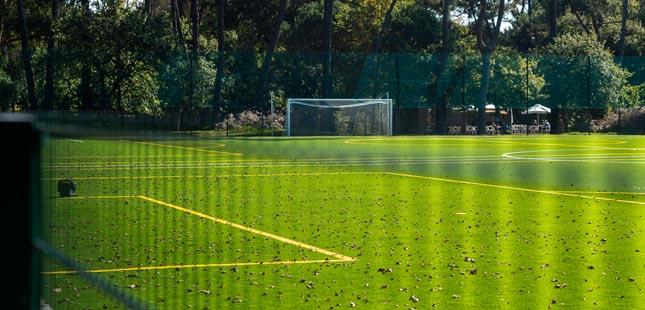 Campo de futebol do Parque da Cidade cresceu