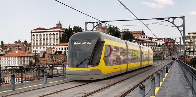 Metro do Porto assina contrato para aquisição de novos veículos