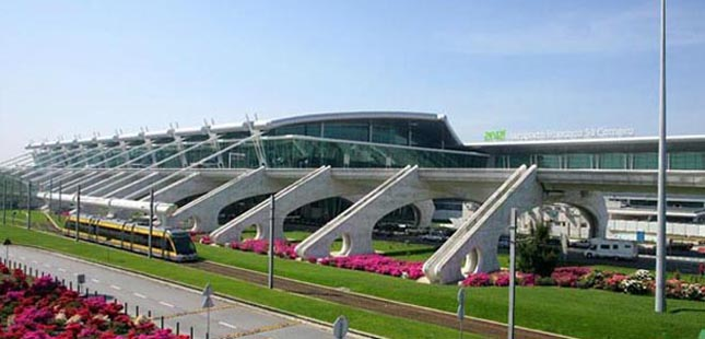 Wizz Air reforça ligação entre Porto e Viena