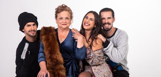 """Comédia """"Santa Mãezinha"""" sobe ao palco do Centro Cultural e Social de Olival"""
