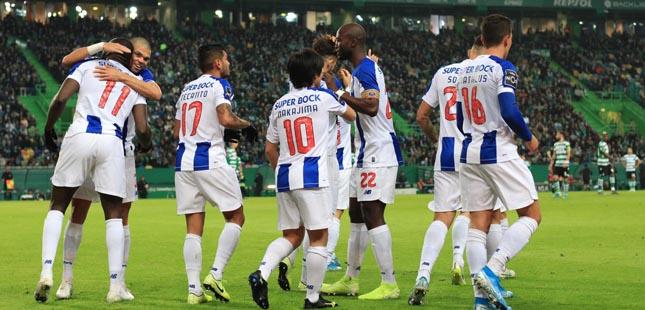 FC Porto vence Sporting por 2-1